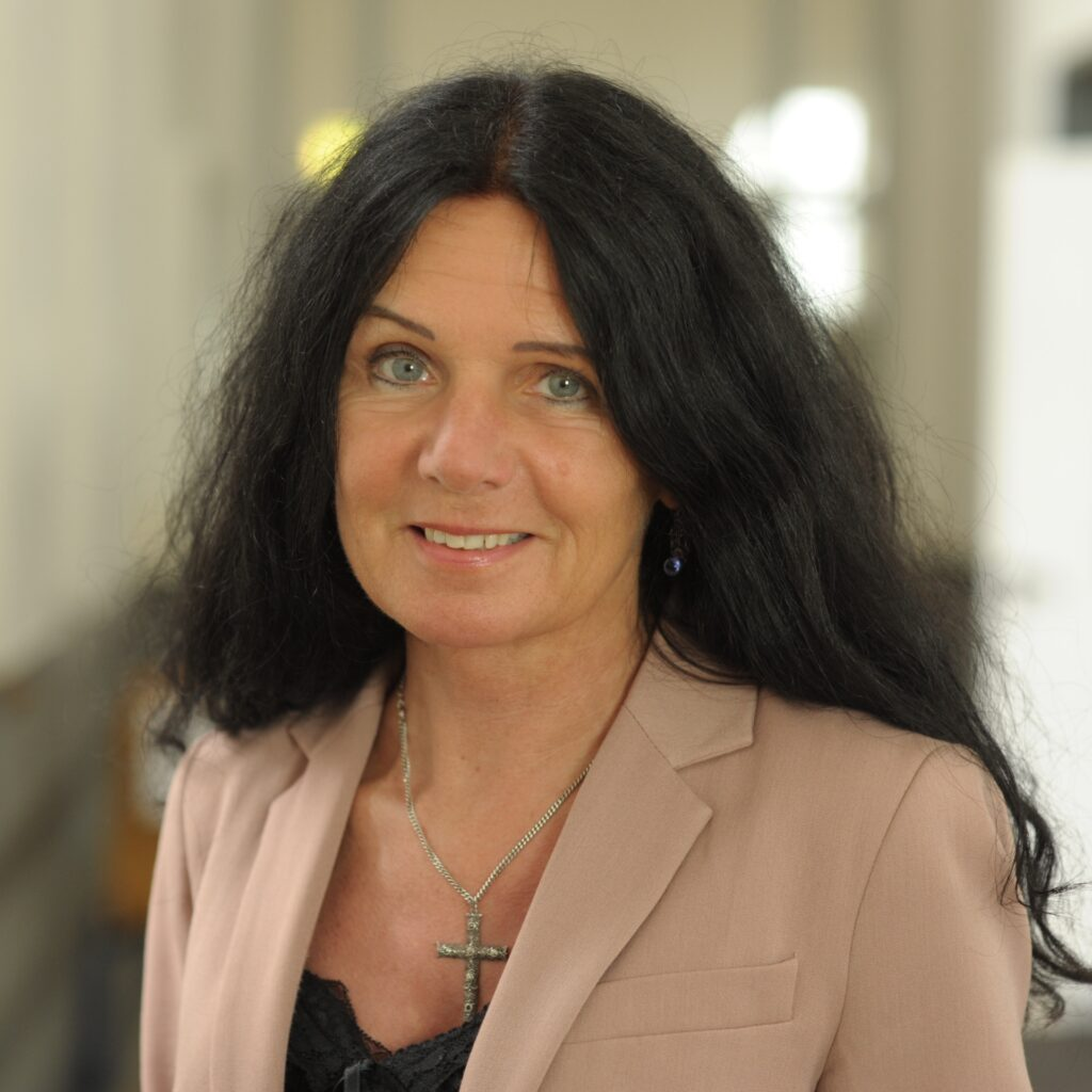 Prof. Dr. theol. Elisabeth Jünemann